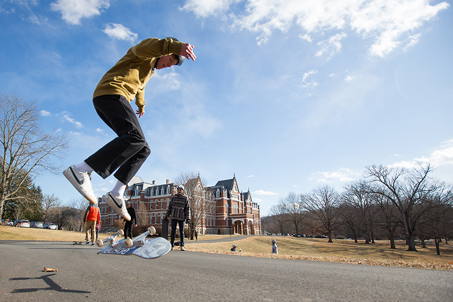RISE OF EXTREME SPORTS<span>Skateboarding, snowboarding, and surfing are going mainstream, and this course gives students the chance to learn the sports and the culture behind them.<span>
