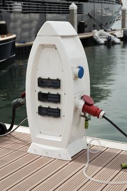 Boat-charging-station-0.25.jpg