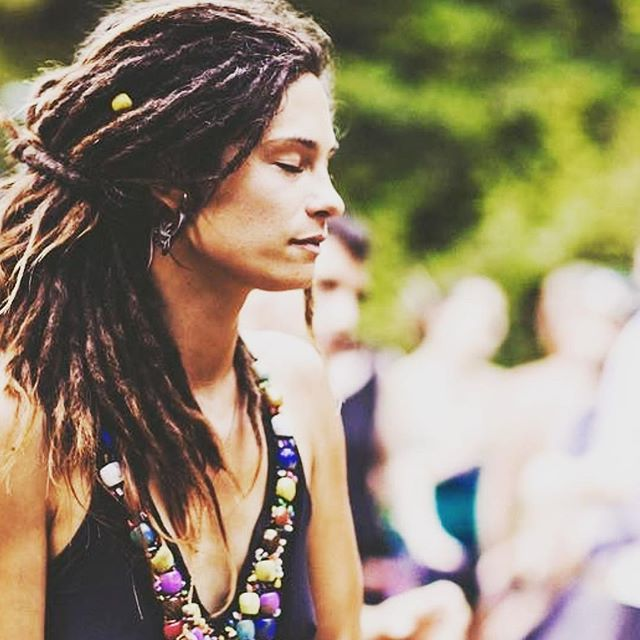 Breathe.  Good morning sunshine people.  Let's make today a good one. Breathing in and out consciously as our day goes by.  Let's give our lungs some love and let's relax from the holiday stress.  OM ... breathe...breathe... be here now.  See you January 13 #urbanyogafest ... beautiful photo by  @thenomadicdaughter #meditate#breathe ・・・