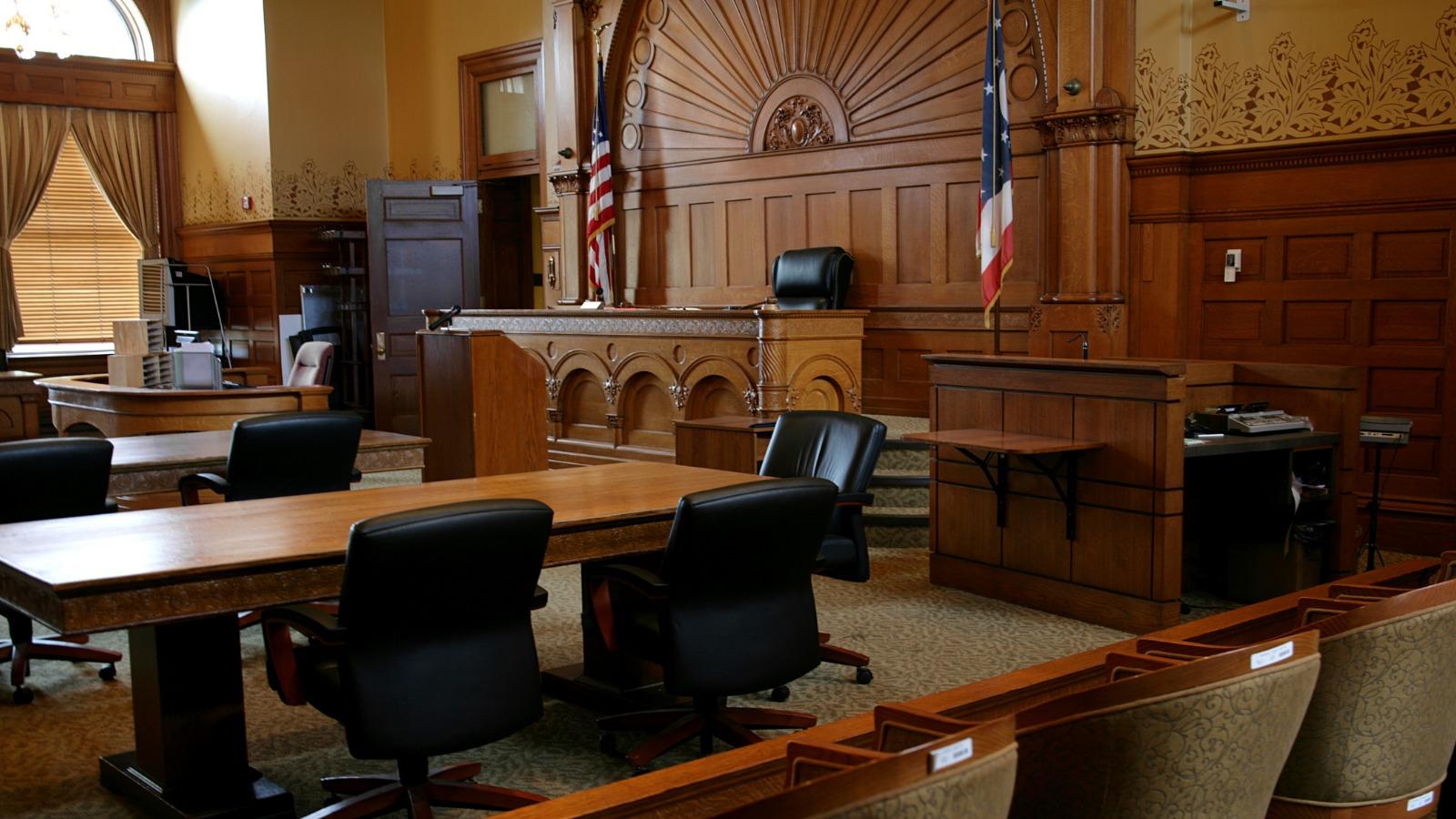 bettsllc litigation commercial litigation - 1600 x 900 px.jpg