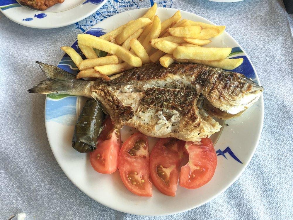 11€ Fish Special in Akrotiri, Santorini