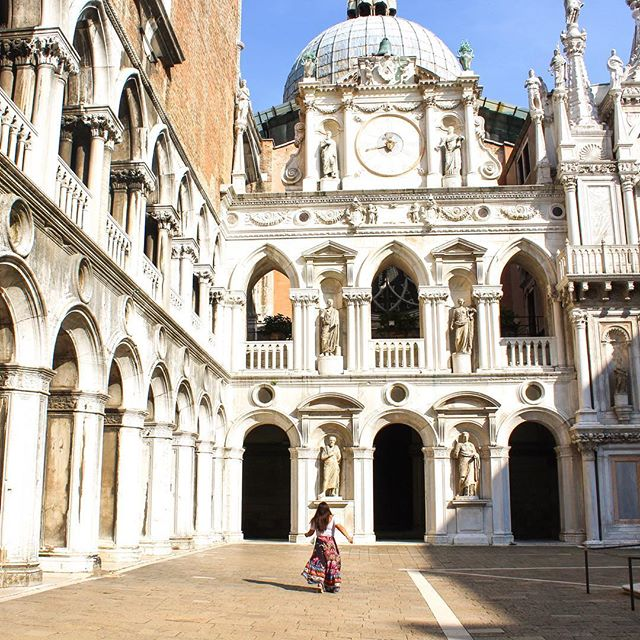 Feeling absolutely magical at the courtyard of the Doge's Palace ✨