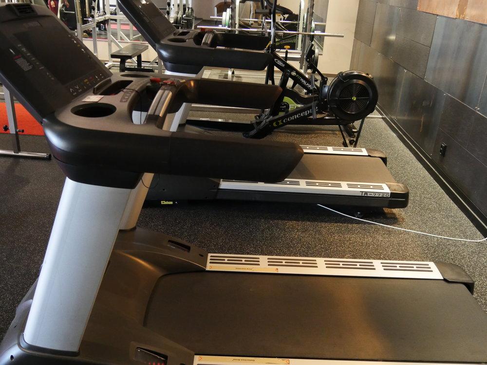 Löpband i gymmet.JPG