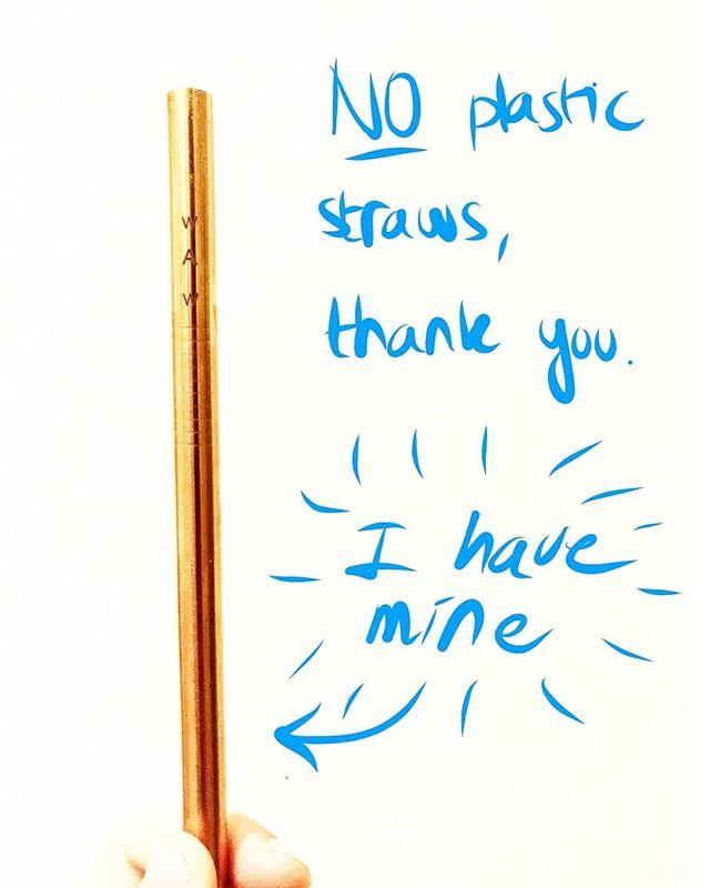 🇫🇷 Fais partie de notre mouvement WAW et dis NON aux pailles en plastique! 💪 Est-ce que t'as déjà ta paille WAW? Va voir notre site pour être encore plus bg quand tu commandes ta boisson et tu sors ta propre paille réutilisable de ton sac. 🤔😏 . . 🇬🇧 Be part of our WAW movement and say no to plastic straws ! Did you get your WAW straw yet ? 💪 Check our website and be even cooler when you ask for your drink without a straw and pull out your reusable one from your bag 😏🤔