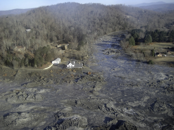 Coal ash spill in Kingston, TN.
