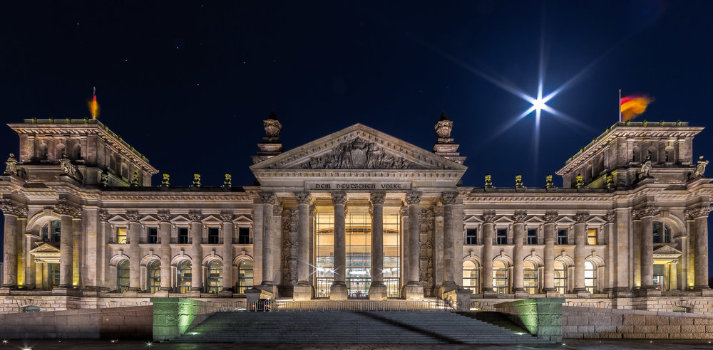 Reichstag and the moon