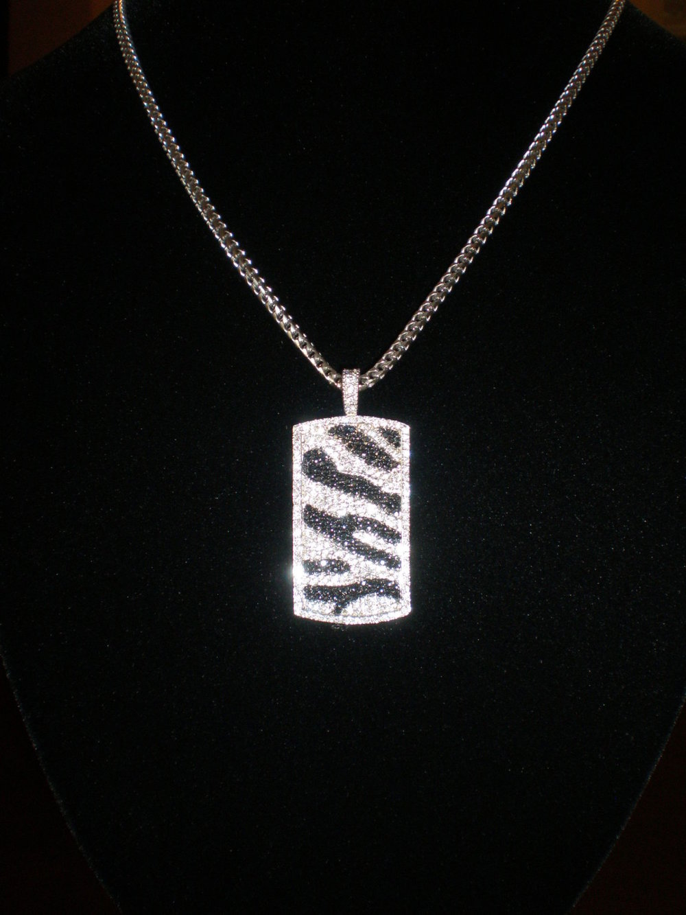 Zebra-Pendant-with-diamond-cut-gold-chain1.jpg