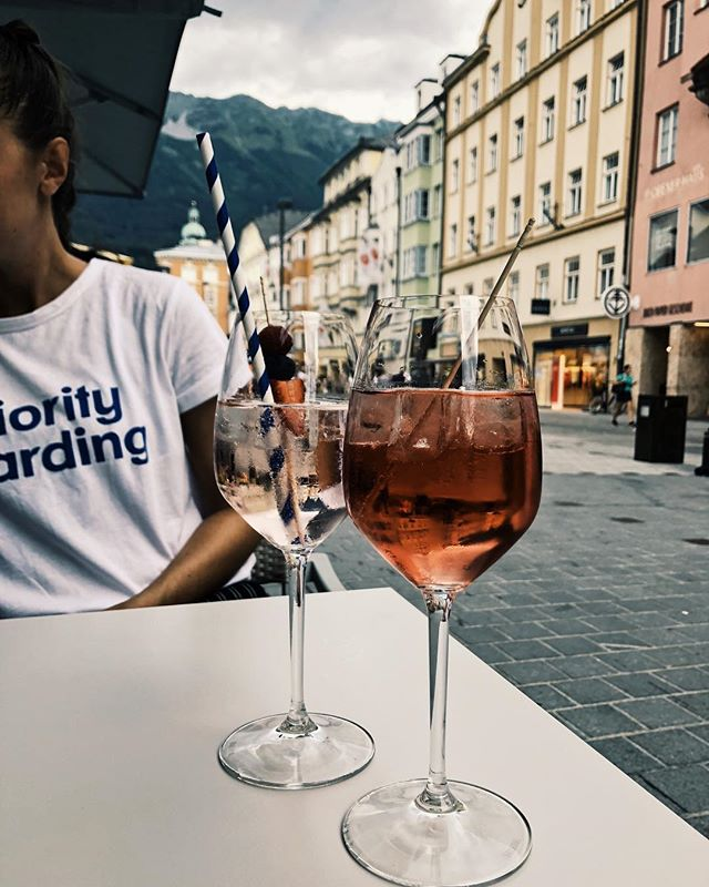 That moment, when you originally plan on having some ice cream and then get a rosé wine instead. 🍷  #innsbruck #wine #austria #mountains #rosewine #whitewine #photography #citycentre #travelblogger #blogger #austrianblogger #thehappynow #love #belovedstories #darlingmovement