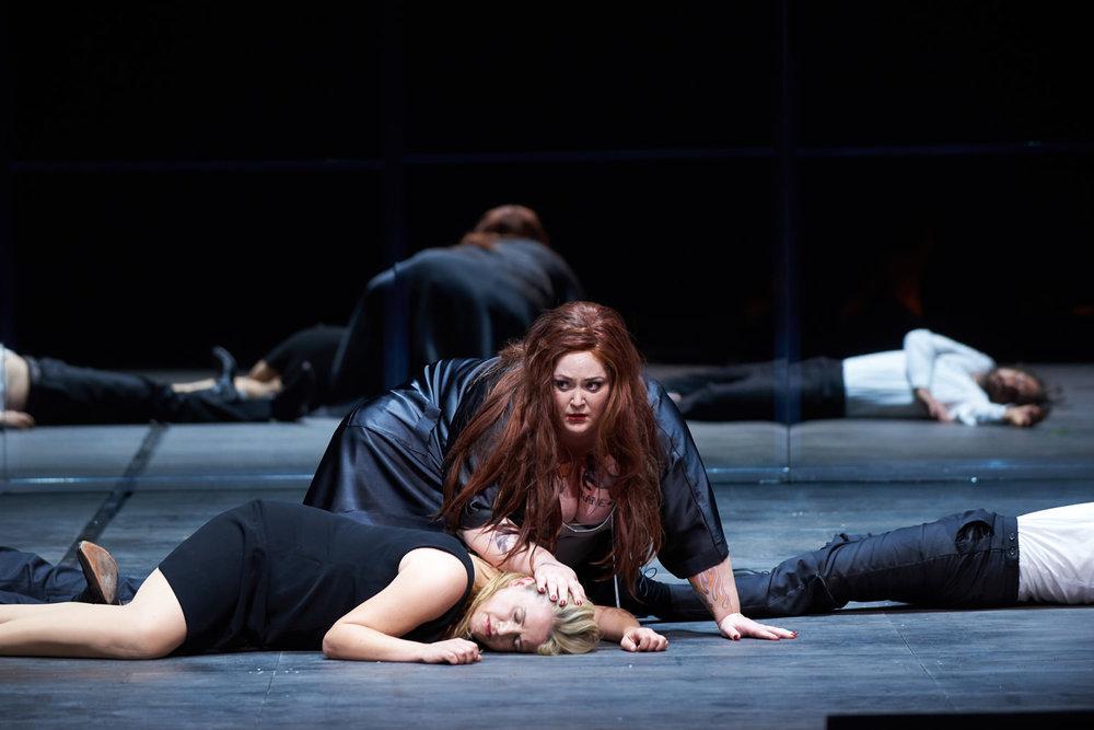 brünnhildein Götter-dämmerung - Badisches Staatstheater Karlsruhe30 September 2018 – 3 February 2019