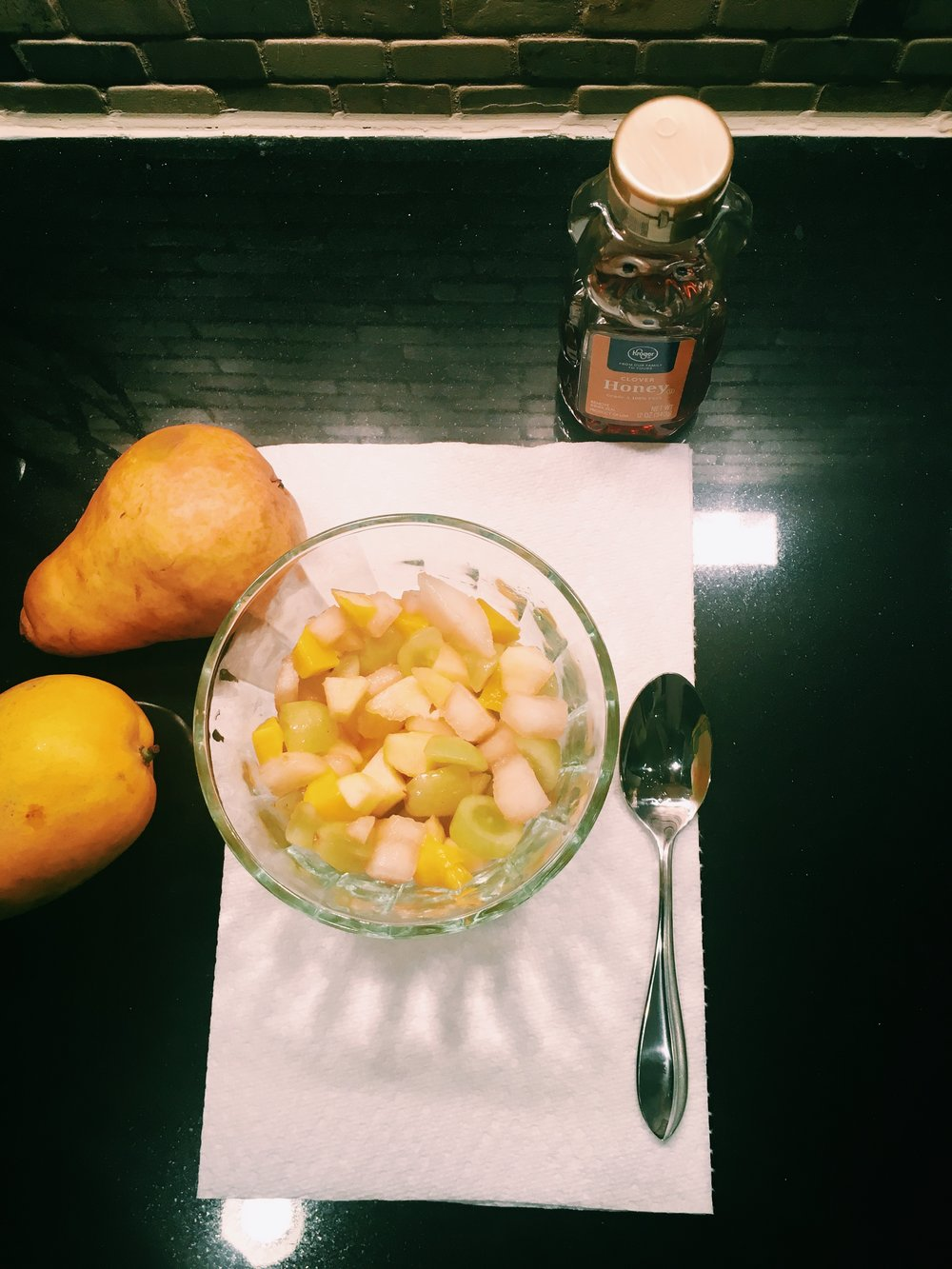 A Healthy Treat - Recipe:1 Mango1 Pear1 Small bowl of grapes1 Tbsp of honey or agave