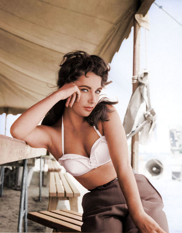 liz_taylor_giant_colourized.jpg