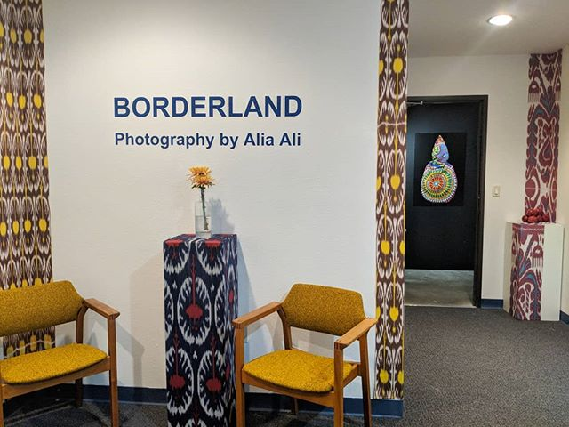 What an opening. Thank you all who came to the artist & curator talk and final opening at our physical gallery in Santa Fe! @studio.alia.ali's BORDERLAND will be up until November 9, with a closing reception from 6:00-8:00pm ✨