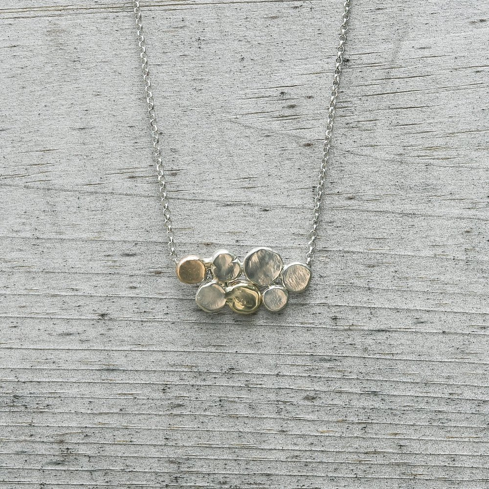 COBBLESTONE CLUSTER NECKLACE