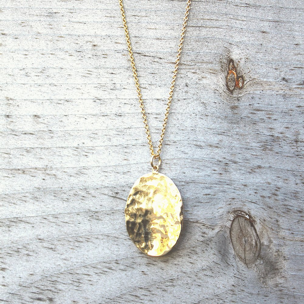 LARGE HAMMERED OVAL NECKLACE