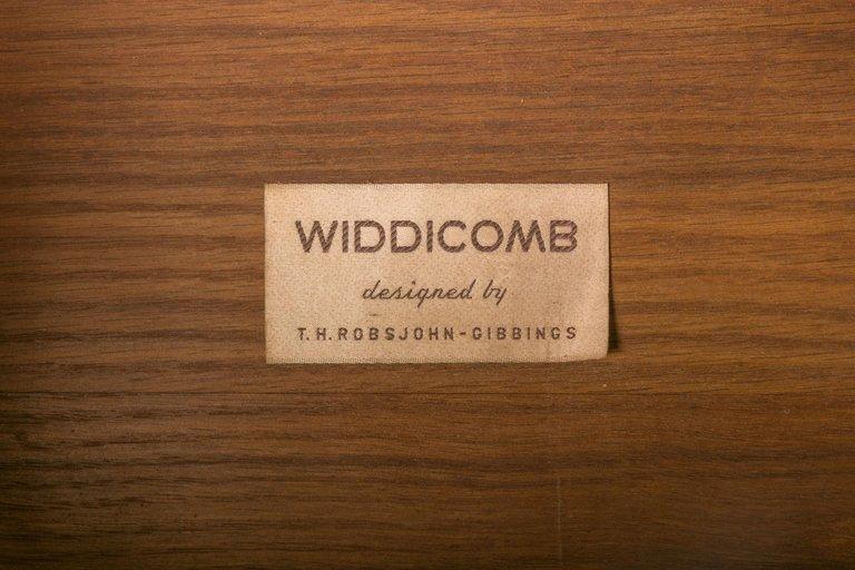 Widdicomb_Nightstands_Pair_F_master.jpg