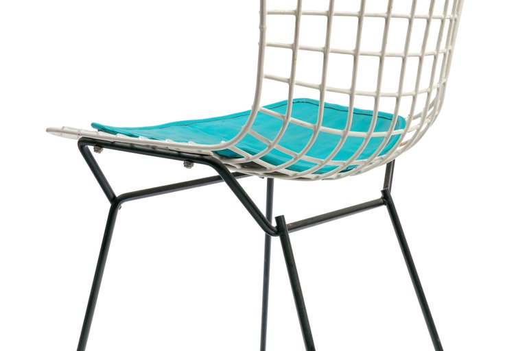 Bertoia_Kids_Chair_F_master.jpg