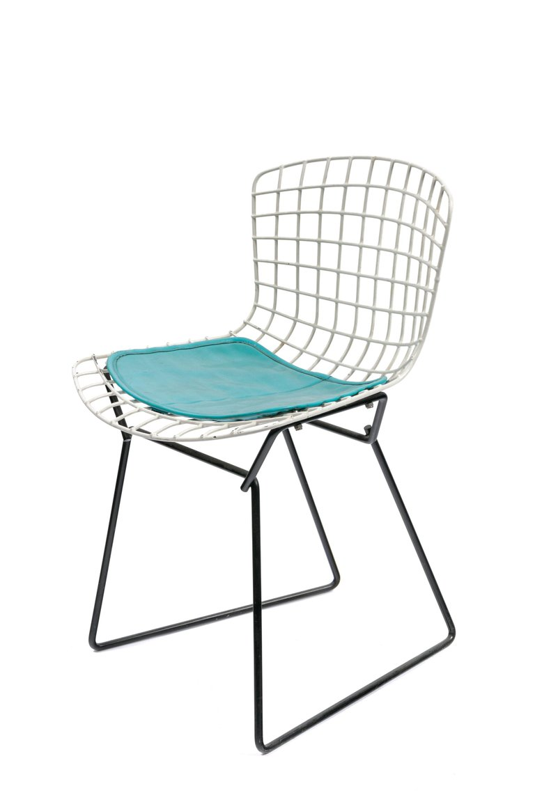 Bertoia_Kids_Chair_A_master.jpg