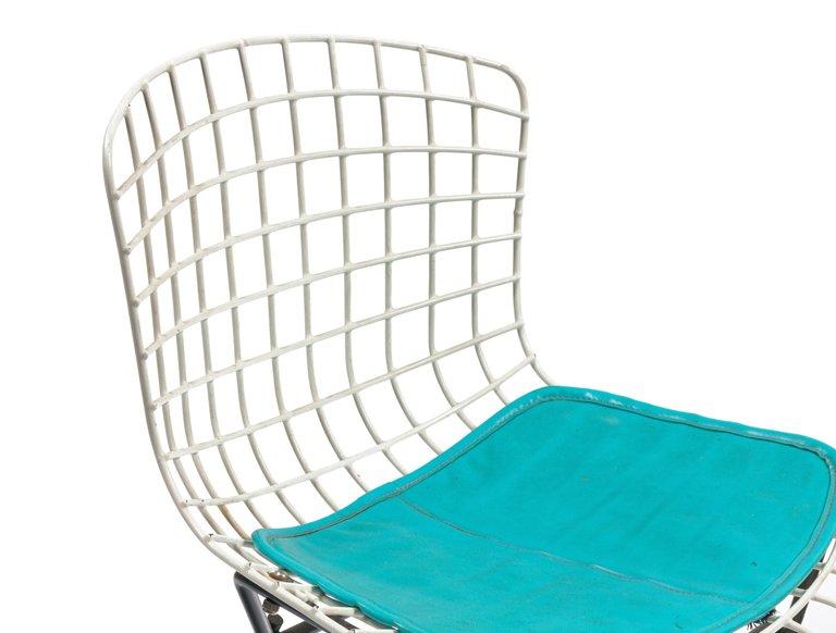 Bertoia_Kids_Chair_E_master.jpg