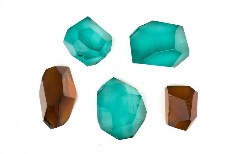 Glass_Pieces_x5_E_master.jpg