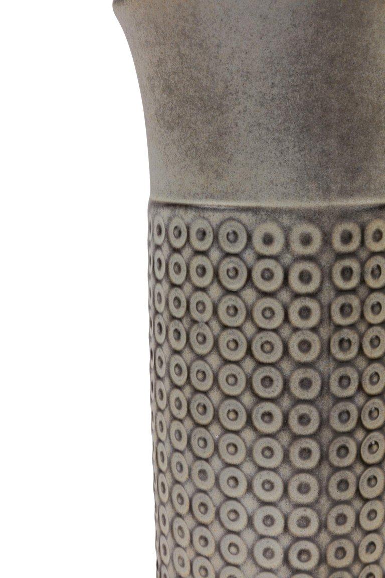 Embossed_Cylindrical_Vase_C_master.jpg