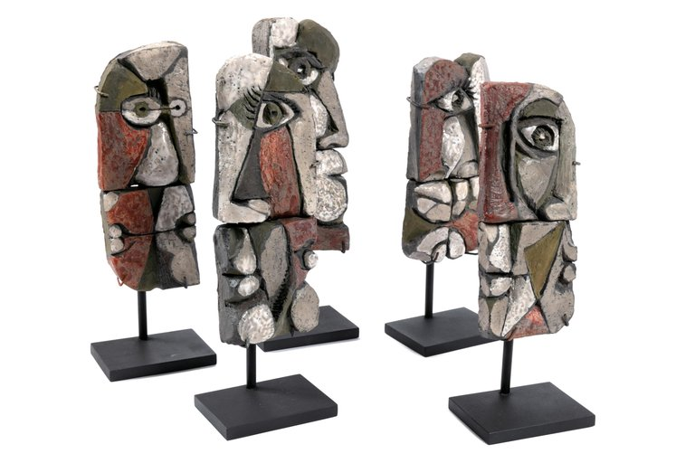 Group_2_Piece_Heads_on_Stands_C_master.jpg