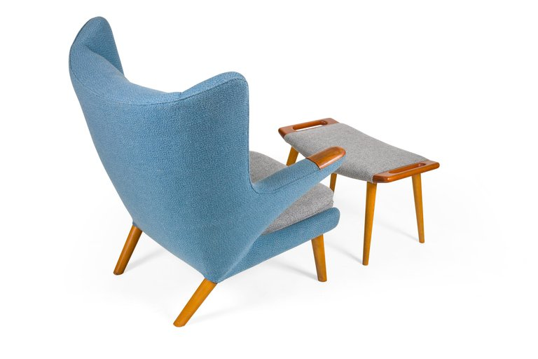 Wagner_Chair_and_Ottoman_C_master.jpg