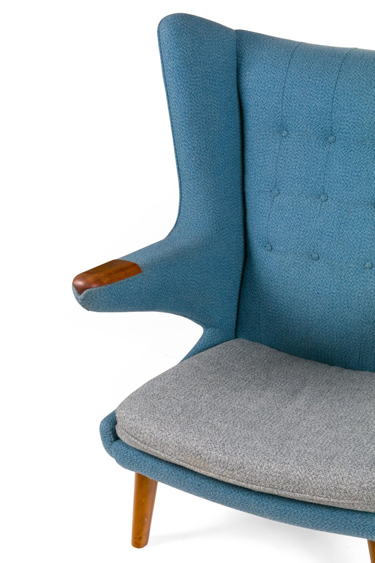 Wagner_Chair_and_Ottoman_F_master.jpg