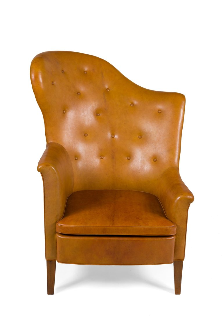 Odd_Shaped_Armchair_C_master.jpg