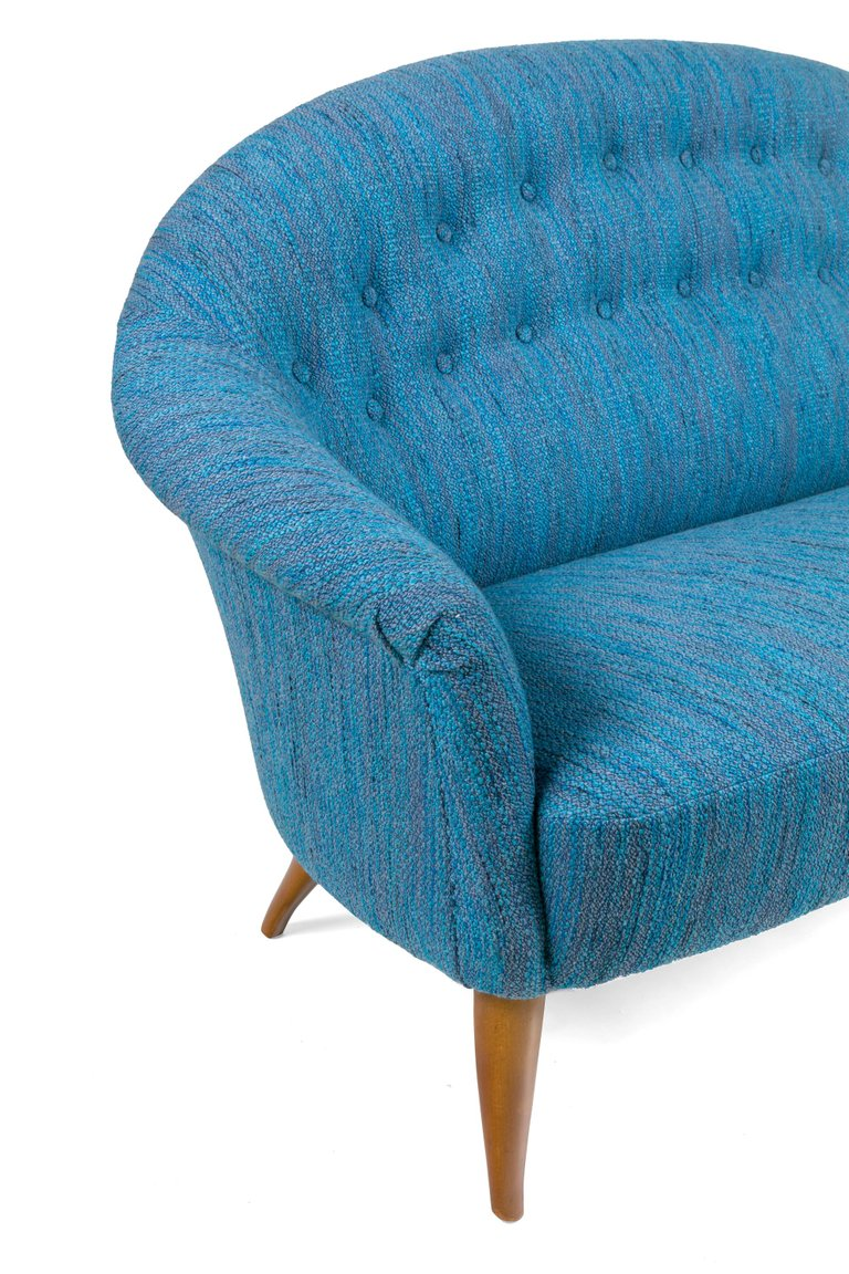 Blue_Tufted_Sofa_E_master.jpg