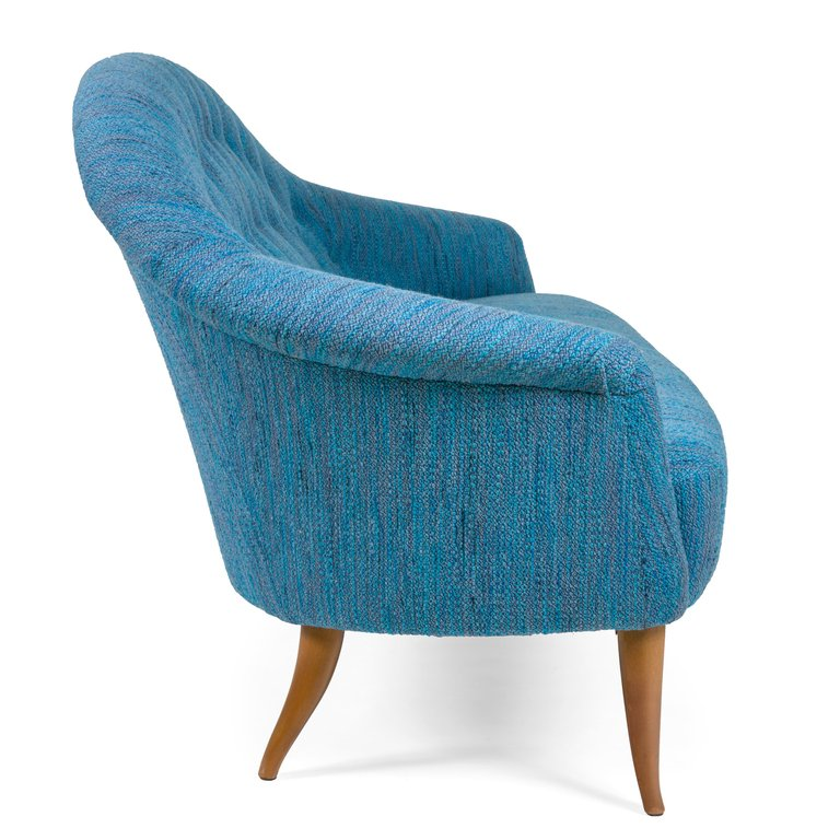 Blue_Tufted_Sofa_C_master.jpg