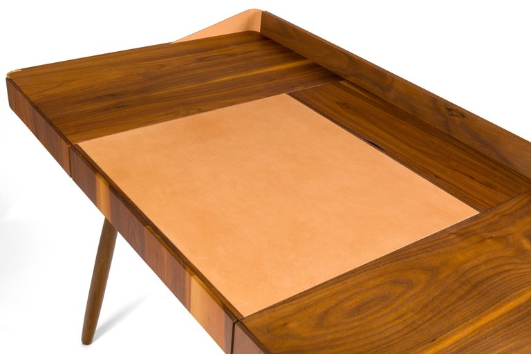 Wood_Leather_Desk_F_master.jpg