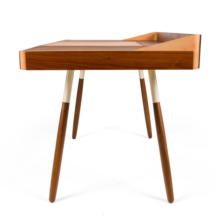 Wood_Leather_Desk_E_master.jpg