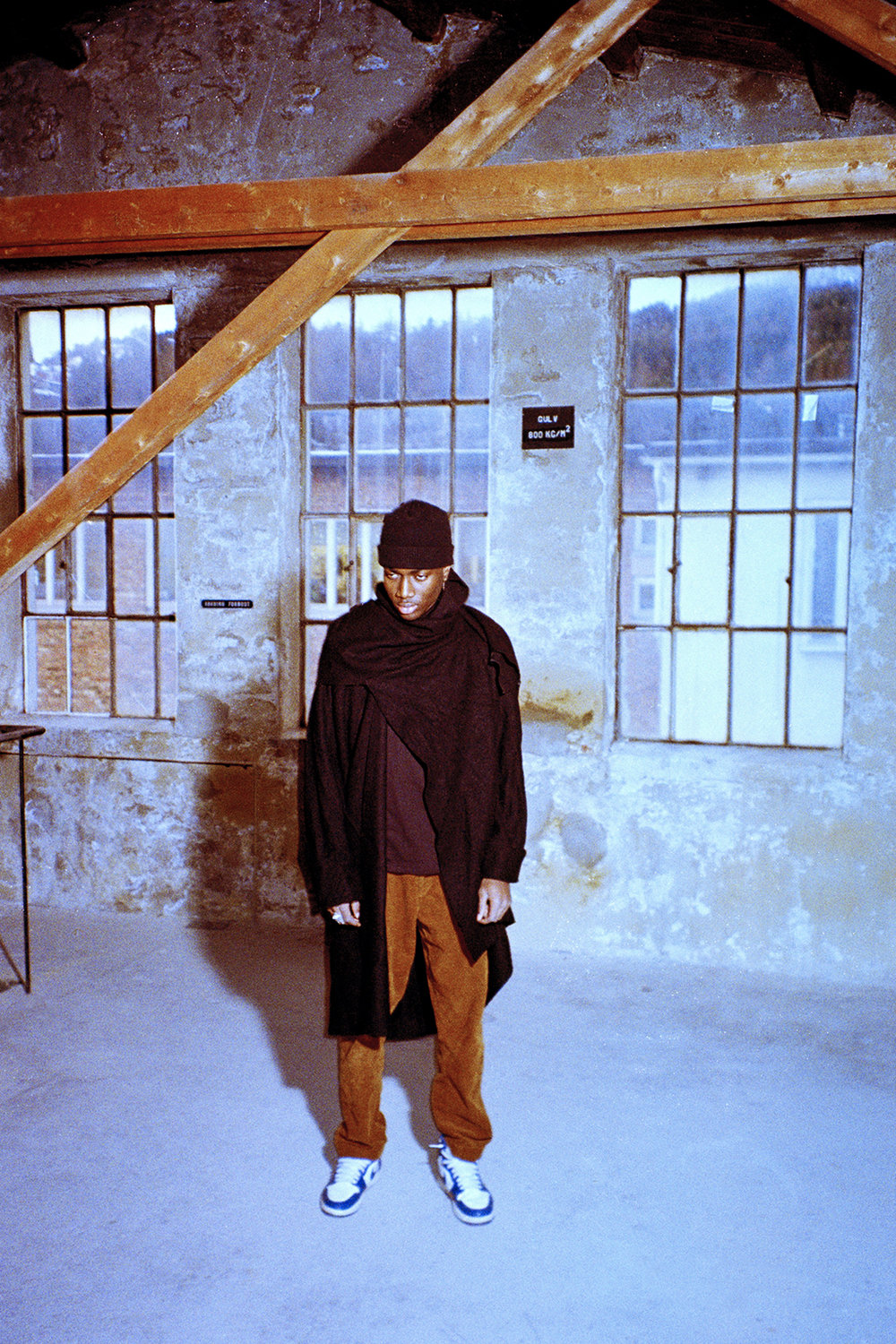 Beanie: HAN KJØBENHAVN  Cape: The29official - available in-store