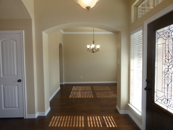 Entry and Formal Dining 901 Elk Ridge .JPG