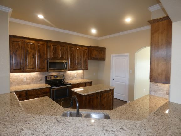 Kitchen Overview 901 Elk Ridge .JPG