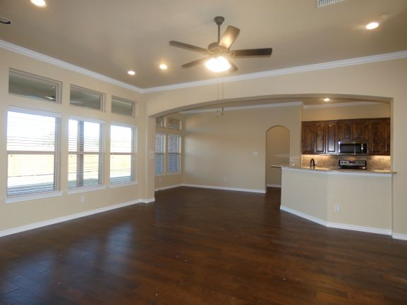 Living Kitchen Nook 901 Elk Ridge Dr.JPG