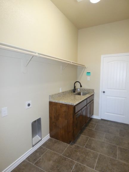 Utility Room with Sink 901 Elk Ridge Drive .JPG