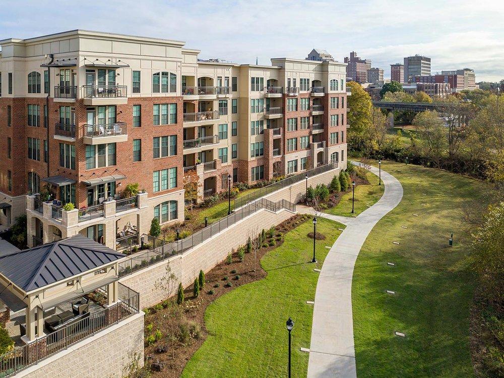 District West</br><em>Greenville, South Carolina</em>|marketratehousing architecture