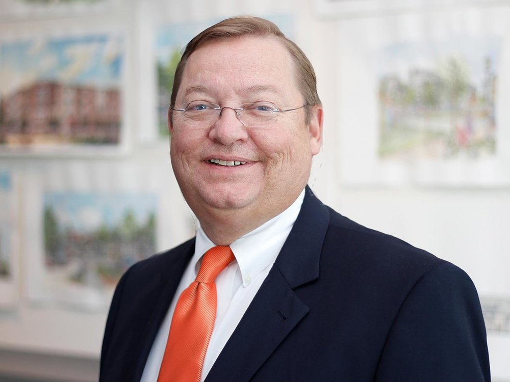 <strong>Gordon Karns</strong></br><em>Senior Associate</em> team architecture