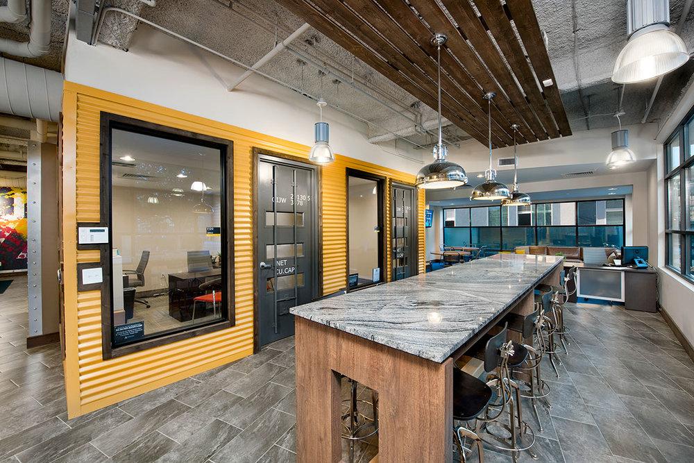 One12 Courtland</br><em>Atlanta, Georgia</em>|offcampusstudenthousing interiors