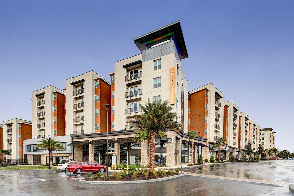 The Plaza on University</br><em>Orlando, Florida</em>|offcampusstudenthousing mixeduse