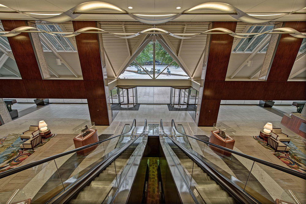 Williams-Square_Escalator.jpg