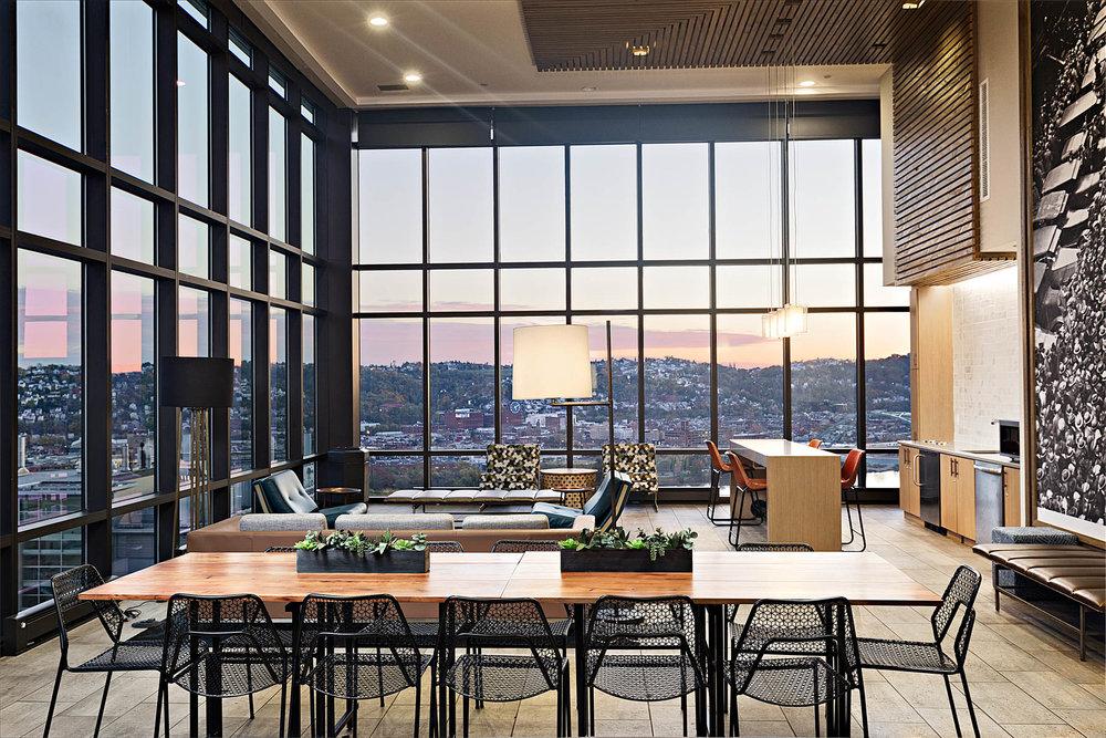SkyVue </br><em>Pittsburgh, Pennsylvania</em>|interiors