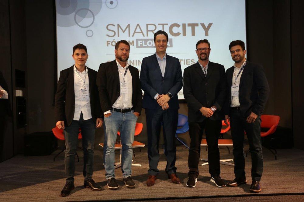 Smart City Fórum Floripa - Os diretores do iCities com Ricardo Penzin, do Hyperloop, ao centro.jpeg