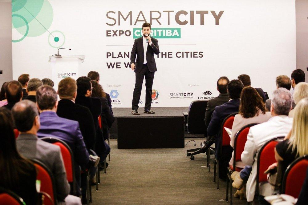 O diretor comercial do iCities, Caio Castro explica as novidades da edição do Smart City Expo Curitiba em 2019