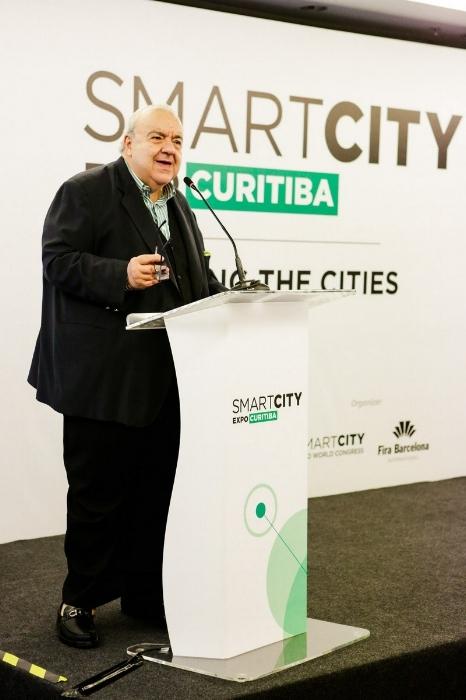 Rafael Greca ressaltou os avanços da cidade de Curitiba em relação ao tema das cidades inteligentes