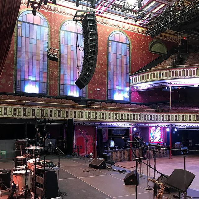 What's up @tabernacleatl?! I'm playing inside you (on a smaller stage) at 5 o clock this evening, and I'm gonna see everybody there. And they can all get free tickets using the link in my profile. #thewirelight #localbrewslocalgrooves