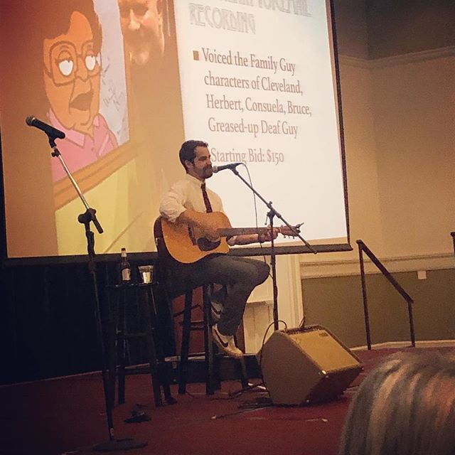 Big-time thanks to @ugavetmed and @againeslewis for letting me play some songs last night. As evidenced by the projector in this pic, some very epic stuff got auctioned off. Also, I almost won a backpack. I'll call it a win. #thewirelight