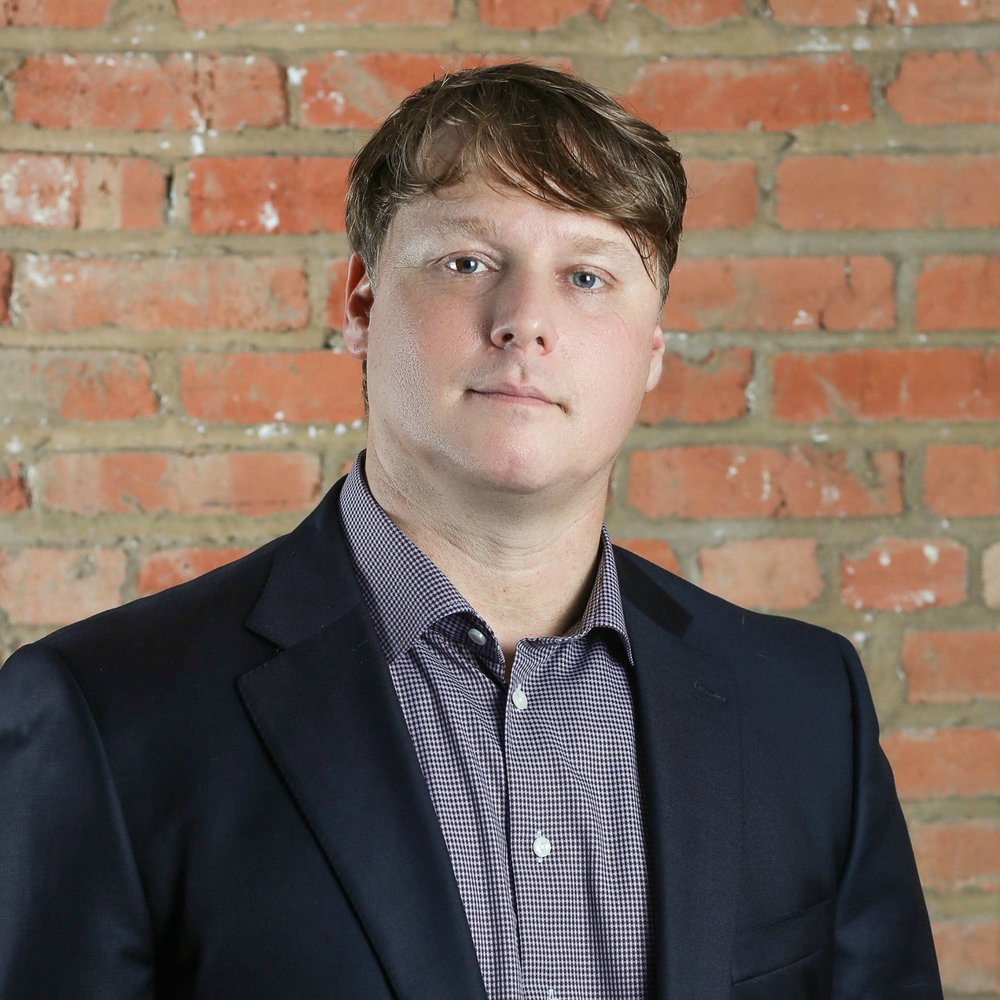 TRISTAN SIMON Tristan Simon founded and leads Rebees and co-leads Open-Rebees. Tristan grew up in Virginia, graduated from Duke University, and moved to Dallas in 1996. Prior to starting Rebees in 2014, Tristan founded and led Consilient, a restaurant and hotel management company best known for creating numerous acclaimed dining and entertainment brands in Dallas, Fort Worth, Los Angeles and Atlanta. In addition, Tristan is widely credited with transforming Henderson Avenue in Dallas from a benighted neighborhood into a vibrant dining and retail district.