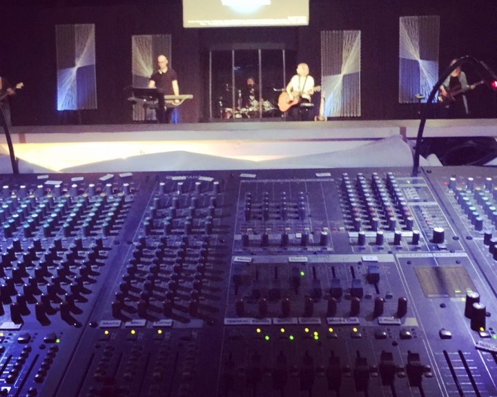 Worship Tech - Be a team who use their technical expertise to express themselves in worship to God, serve the ministers of the church, and engage the community of the church.